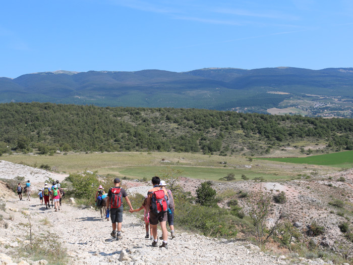 Paysage avec vue sur la montagne de Lure